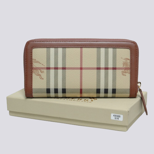 Burberry Outlet Purse Model 024