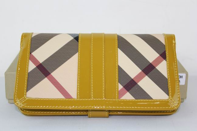 Burberry Outlet Purse Model 051