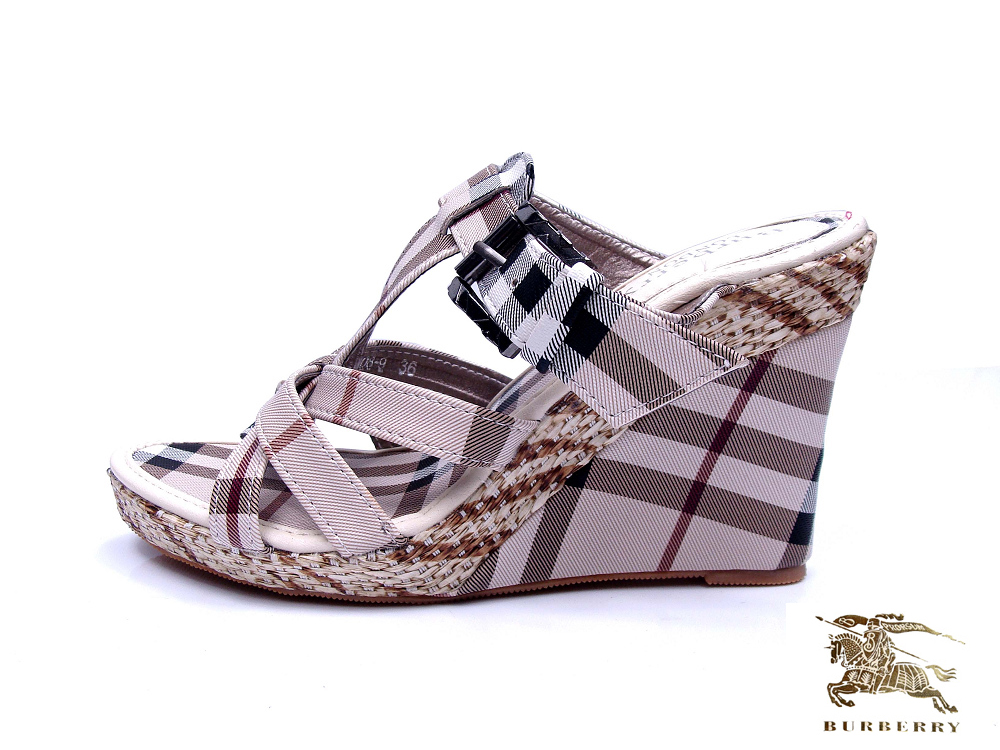 Burberry Outlet Shoes Model011