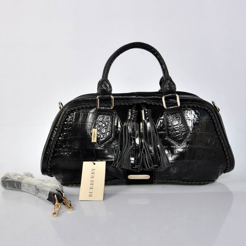 Burberry Outlet Bowling Small Bag Black Model004