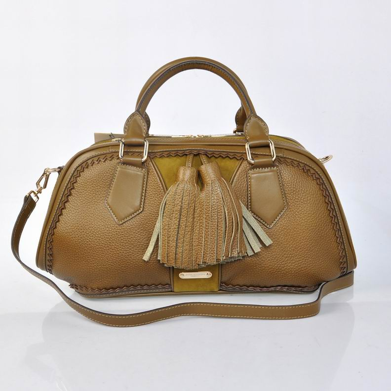 Burberry Outlet Bowling Small Bag Jasmine Model001