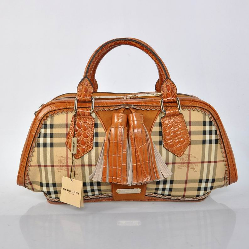 Burberry Outlet Bowling Small Bag Khaki Model003