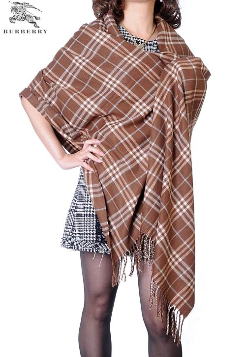 Burberry Outlet Check Cashmere Shawl Model004