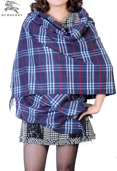 Burberry Outlet Check Cashmere Shawl Model006