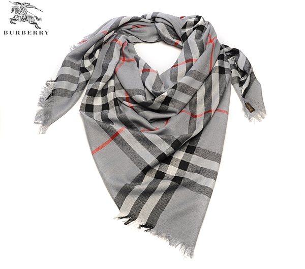 Burberry Outlet Check Scarf Model004