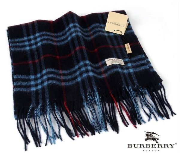 Burberry Outlet Check Scarf Model008