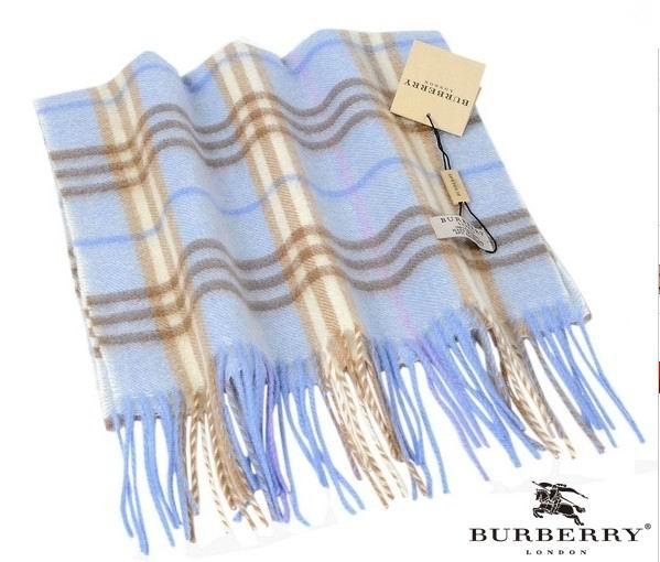Burberry Outlet Check Scarf Model012