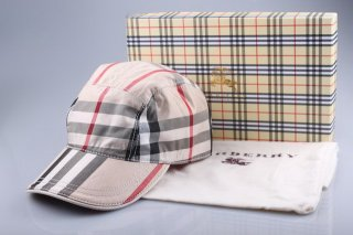Burberry Outlet Hat Model002