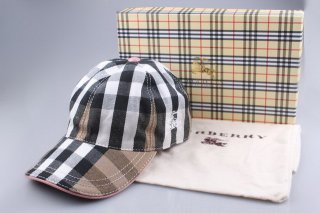 Burberry Outlet Hat Model005