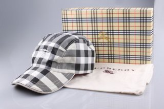 Burberry Outlet Hat Model007