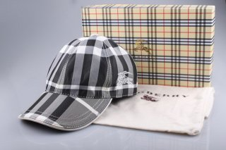 Burberry Outlet Hat Model008