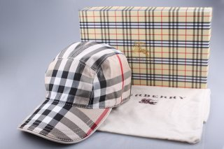 Burberry Outlet Hat Model009