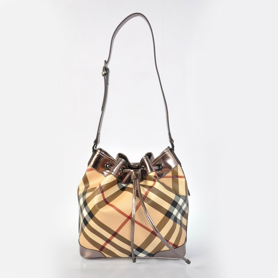 Burberry Outlet Large Shoulder Bag Gode Model017