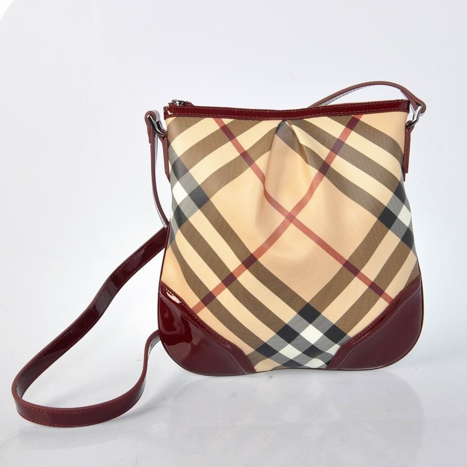 Burberry Outlet Large Shoulder Bag Wine Red Model018
