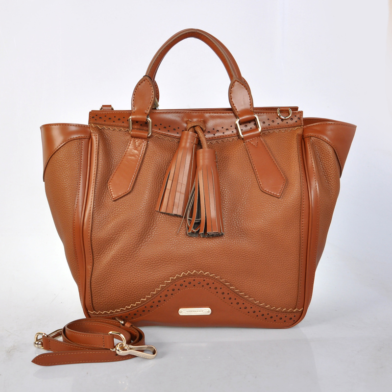 Burberry Outlet Large Tote Bag Coffee Model002