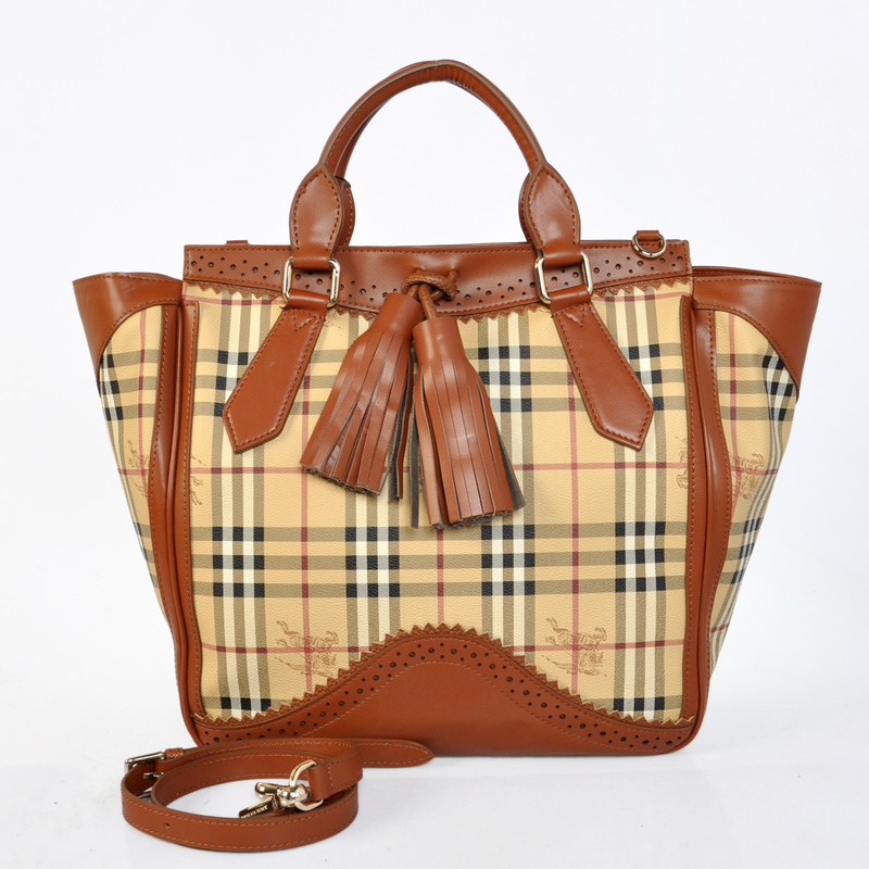 Burberry Outlet Large Tote Bag Coffee Model003
