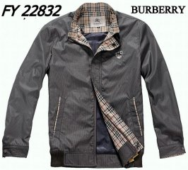 Burberry Outlet Men Coat Model009