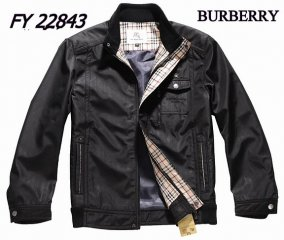Burberry Outlet Men Coat Model010