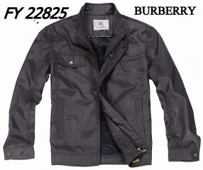 Burberry Outlet Men Coat Model011