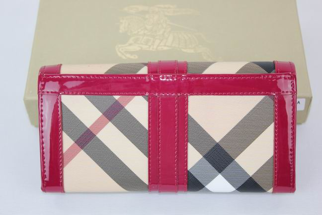 Burberry Outlet Purse Model 040