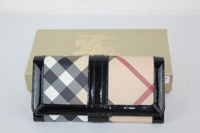Burberry Outlet Purse Model 041