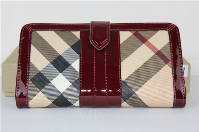 Burberry Outlet Purse Model 049