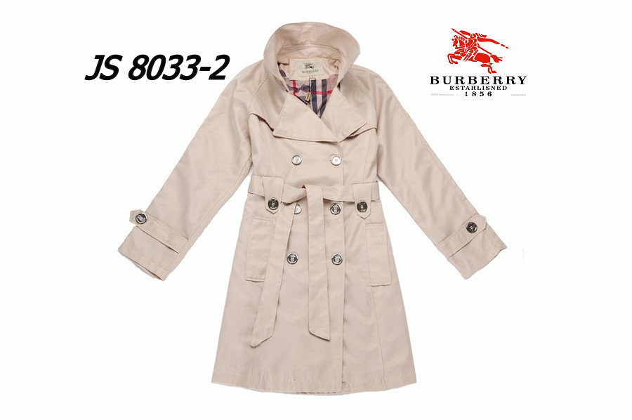 Burberry Outlet Women Coat Model011