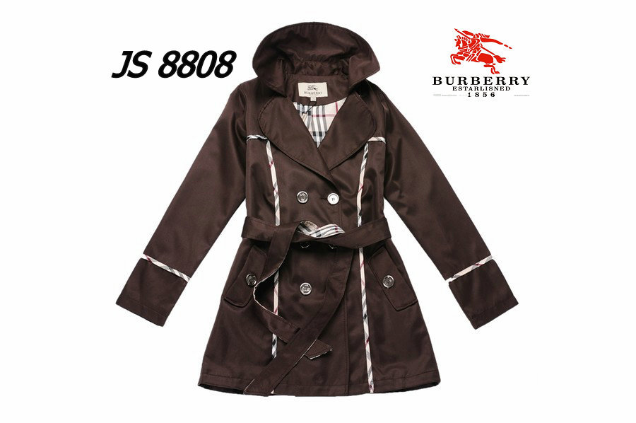 Burberry Outlet Women Coat Model017