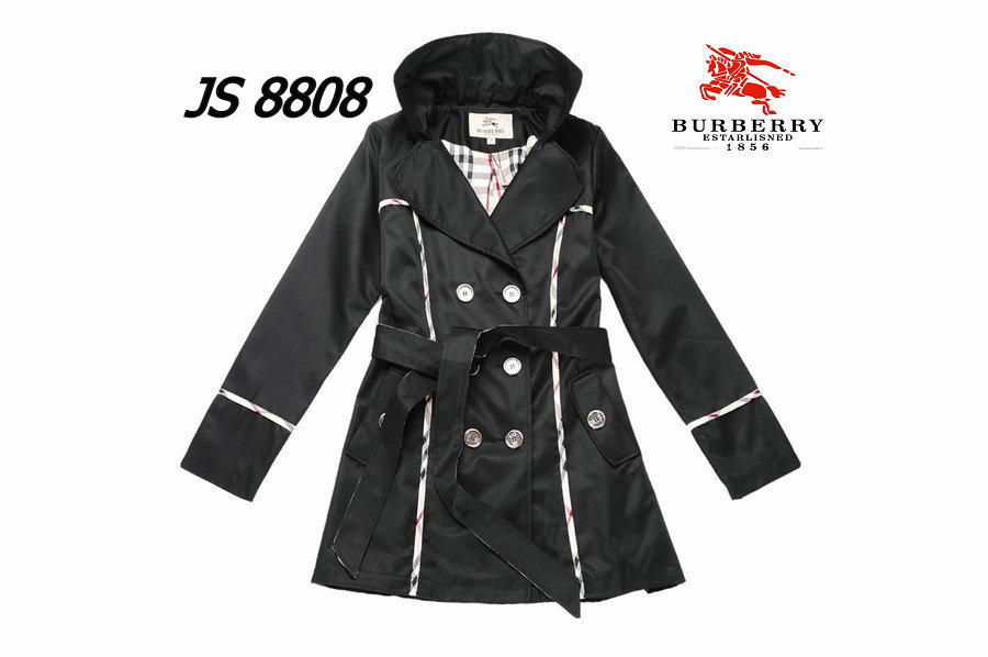 Burberry Outlet Women Coat Model018
