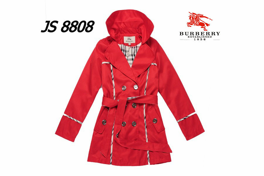 Burberry Outlet Women Coat Model019
