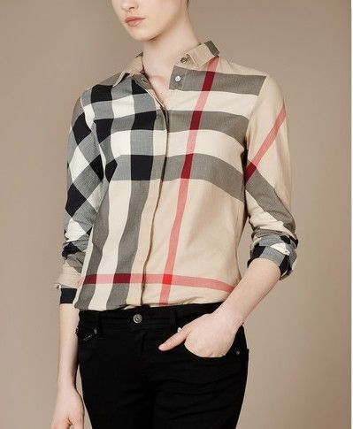 Burberry Outlet Women T Shirt Model003