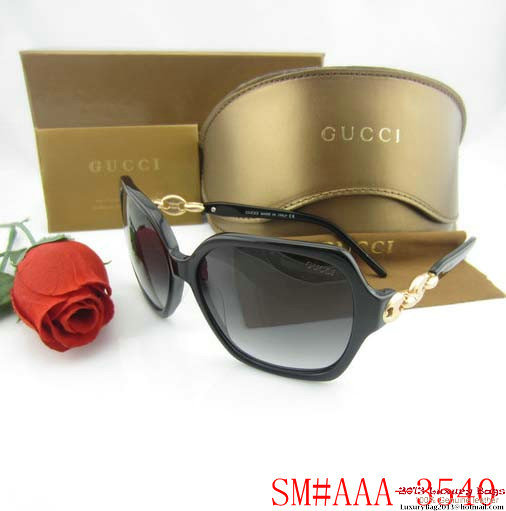 Gucci Sunglasses GGS435