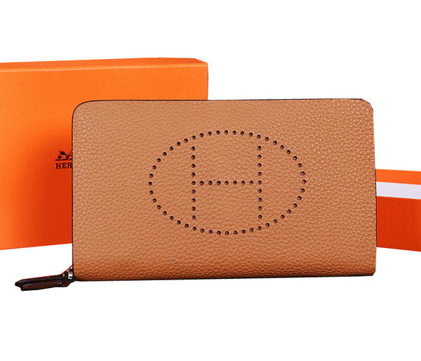 Hermes Evelyn Clutch in Grainy Leather H1013 Wheat