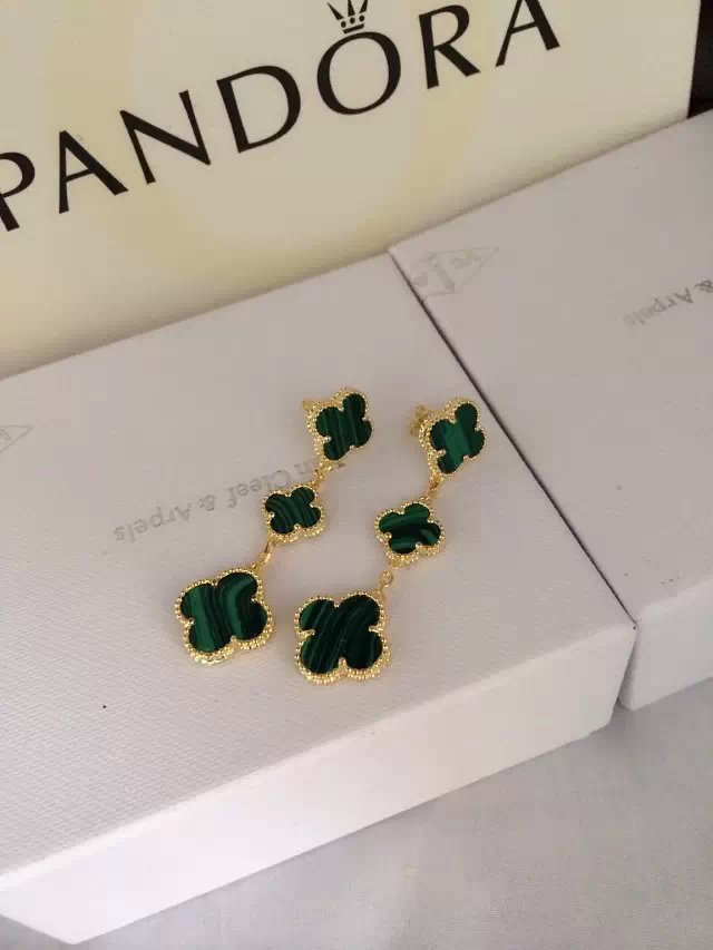 Van Cleef & Arpels Earrings VCA1214011