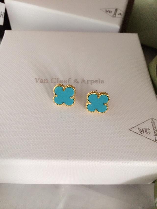 Van Cleef & Arpels Earrings VCA1214019