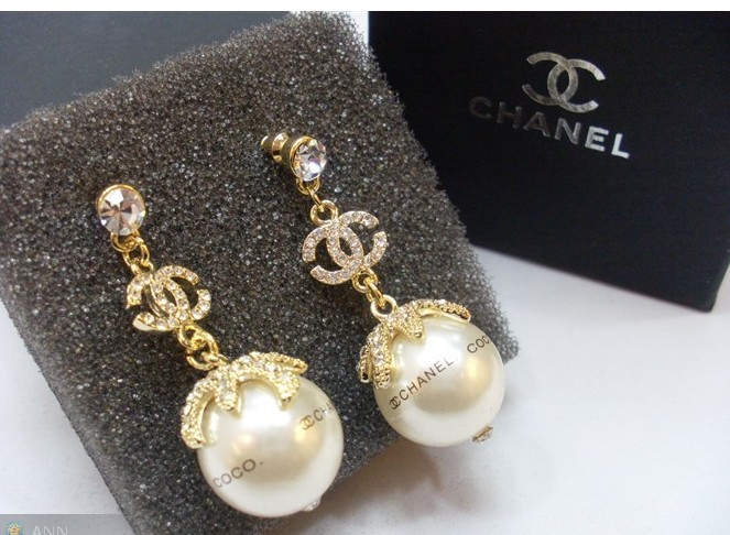 0 2010 Springtime Replica Chanel CC Logo Silver Earrings E0932